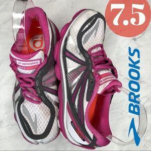 Brooks Women's Pure Cadence 3 Running Pink 7.5